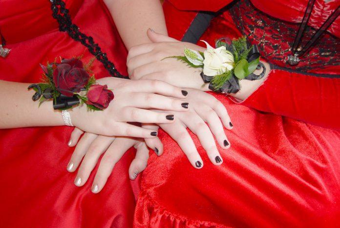 Nageldesign Korsage Nails