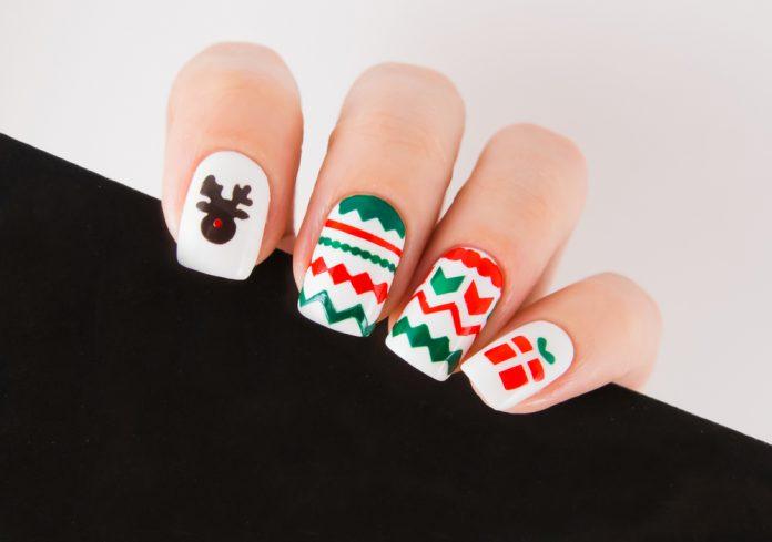 Nageldesigns Weihnachten Winterdesign