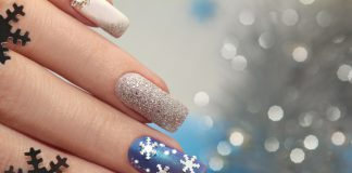 Winter Nageldesign Blau Weiss